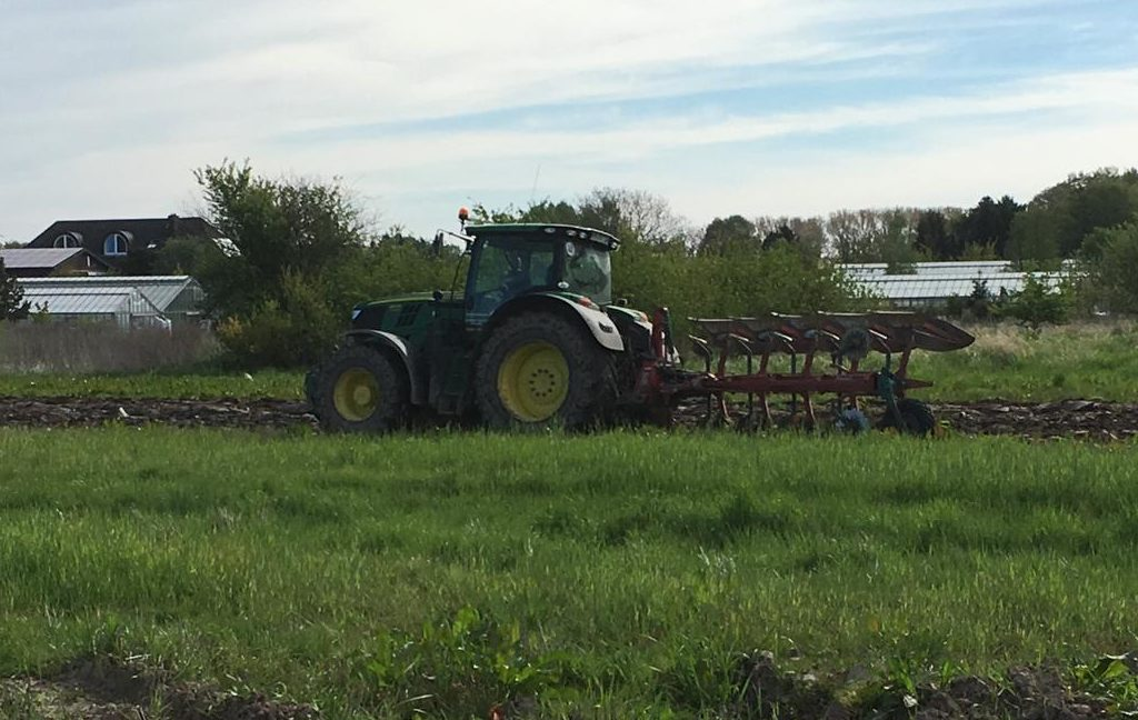 Erdarbeiten - Landtechnische Dienstleistungen